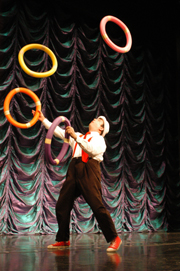 Amazing Dave Juggling